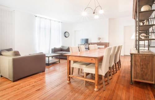 Tauzia spacieux appartement 3 chambres : Apartment near Bouliac