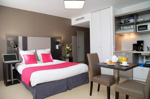 Odalys City Rennes Lorgeril : Guest accommodation near L'Hermitage