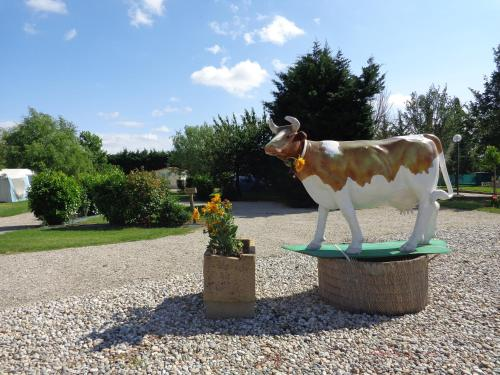 Camping le Mercier : Guest accommodation near Montesquieu-Lauragais