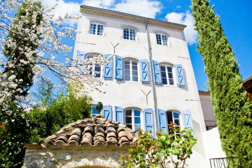 Chambres d'hôtes Les Trois Comtes : Bed and Breakfast near Fressac