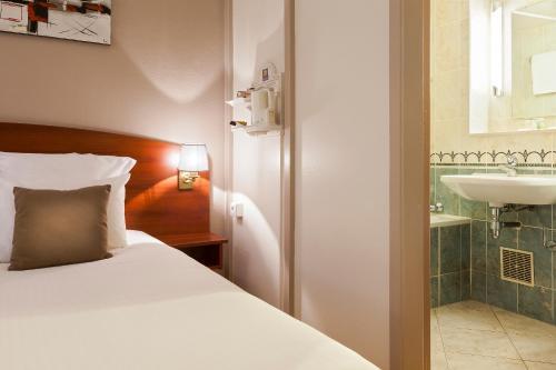 Comfort Hotel Cachan Paris Sud : Hotel near Bagneux