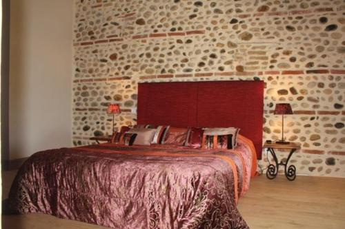 Terre de Garance : Bed and Breakfast near Pins-Justaret