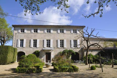 Les Cigales : Bed and Breakfast near Souspierre