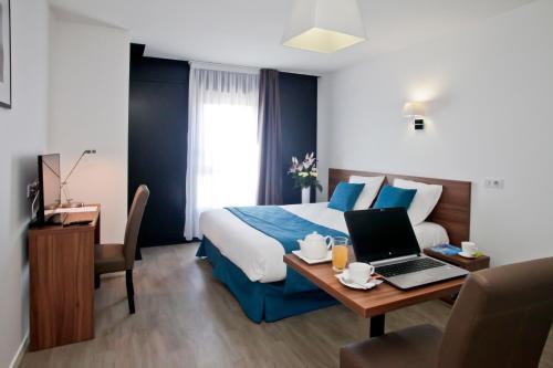 Résidence Odalys Paris Rueil : Guest accommodation near Le Vésinet
