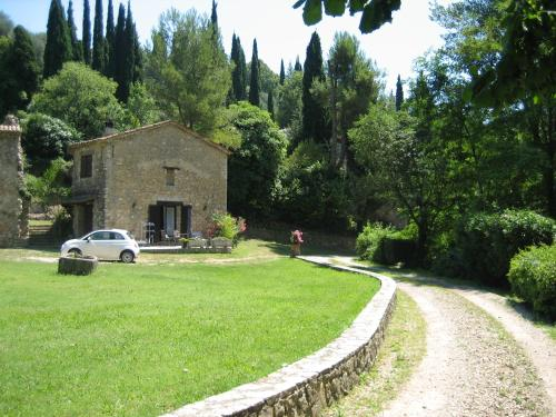 Moulin Des Eaux Vives : Guest accommodation near Peymeinade