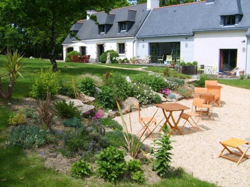 l'Arbre Voyageur : Bed and Breakfast near Sainte-Hélène