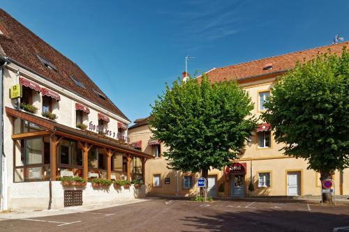 Logis Des Trois Maures : Hotel near Dracy-lès-Couches
