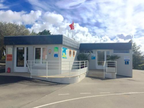 Camping du Kérou : Guest accommodation near Guidel
