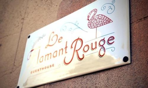 Le Flamant Rouge Guesthouse : Bed and Breakfast near Peyriac-de-Mer