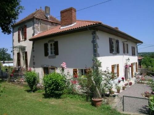 La vieille ferme : Guest accommodation near Chassenon