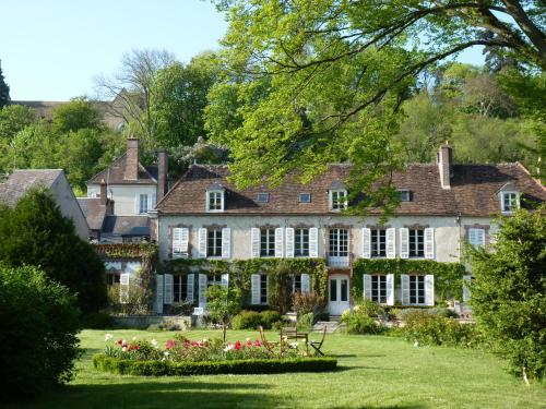 Le Clos Saint Nicolas : Bed and Breakfast near Saint-Loup-d'Ordon