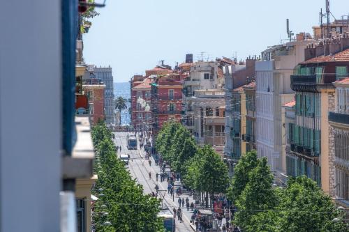 Hotel 64 Nice : Hotel near Nice