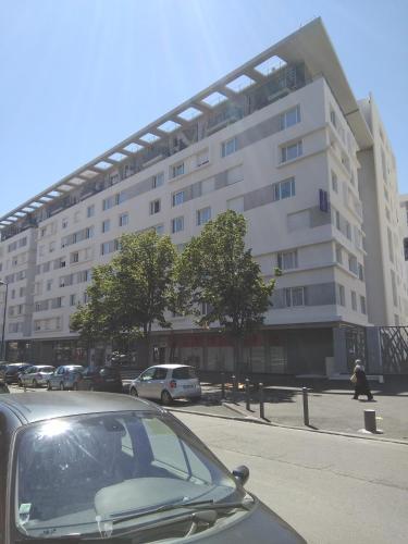Montempô Apparthôtel Marseille Centre Euromed : Guest accommodation near Marseille 16e Arrondissement