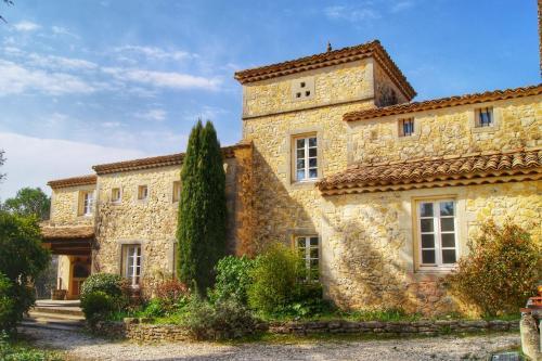 Le Mas des Alexandrins : Bed and Breakfast near Sanilhac-Sagriès