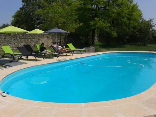 Les Grands Vents : Guest accommodation near Saint-Germain-de-Marencennes