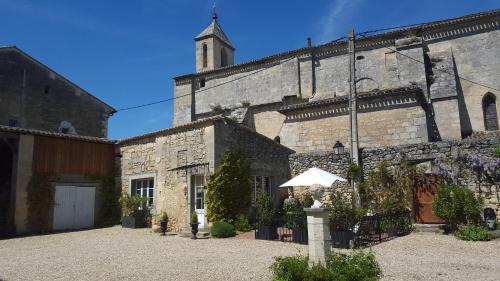 Le Clos Du Presbytere : Apartment near Sainte-Colombe