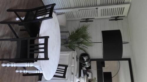 Residence Cite Verte : Apartment near Bron