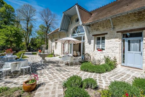 Le Relais de la Licorne : Bed and Breakfast near Viarmes
