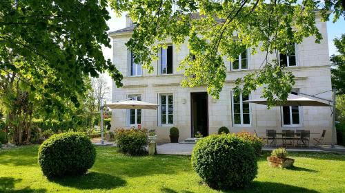 L'Escale de Bel Air : Bed and Breakfast near Saint-Seurin-de-Bourg