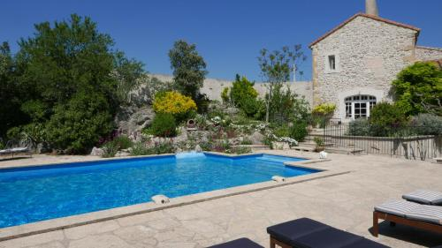 Mas Des Artistes : Bed and Breakfast near Mouriès