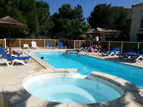 Parc résidentiel les Hauts de Baldy : Guest accommodation near Agde