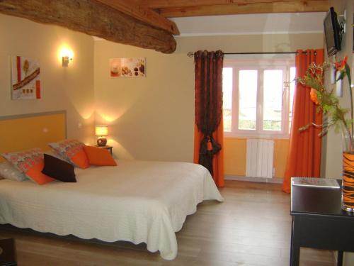 Domaine de Maumont : Guest accommodation near Saint-Martial-de-Valette