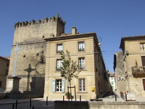 Bize de la Tour : Bed and Breakfast near Saint-Bonnet-du-Gard