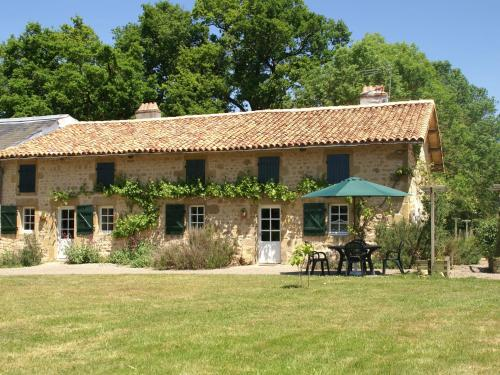 Maison De Vacances - Pressac 2 : Guest accommodation near Pressac