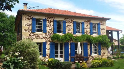 Chambre d'Hôtes L'Airial : Bed and Breakfast near Saugnacq-et-Muret