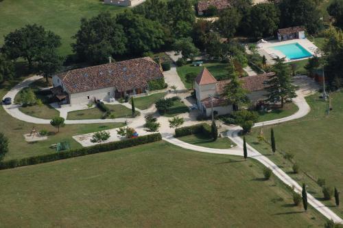 Le Vignal : Guest accommodation near Montaut