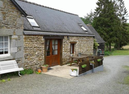 Le Petit Moulin Breton : Guest accommodation near Bazouges-la-Pérouse