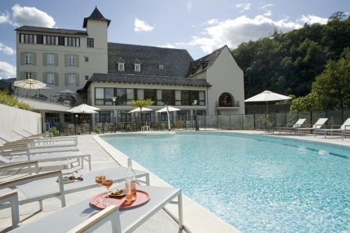 Hôtel La Rivière : Hotel near Sénezergues