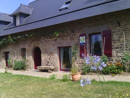 La Roche : Bed and Breakfast near Livré-sur-Changeon