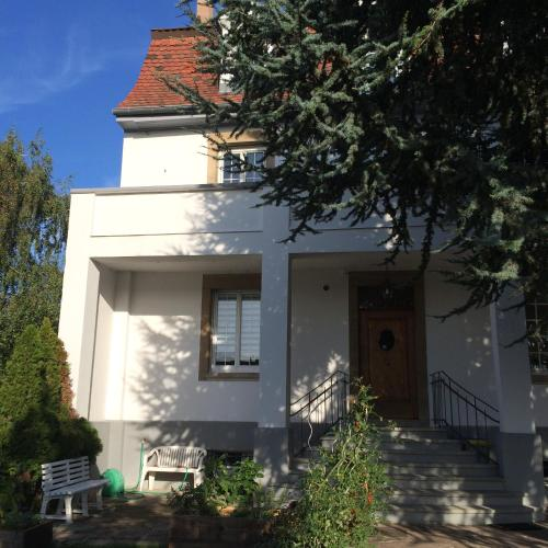 Tres Beau Studio Aux Portes De Strasbourg : Guest accommodation near Mittelschaeffolsheim