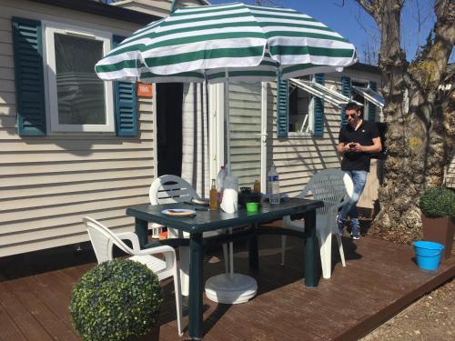 Sandilou186 - Camping Ensoya Tohapi : Guest accommodation near Roquefort-des-Corbières