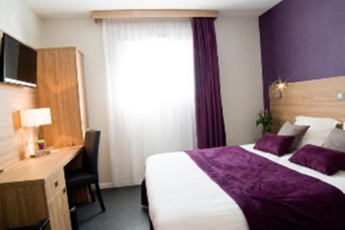 Hotel de La Madeleine : Hotel near Ribeaucourt