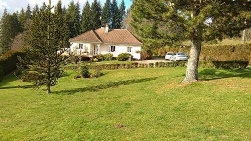 Le Paddock : Bed and Breakfast near Saint-Léger-Magnazeix