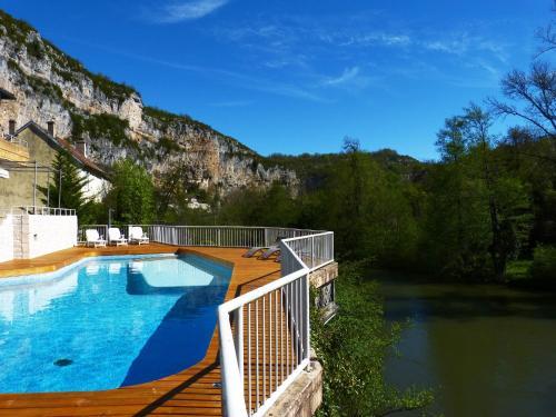 Hôtel Restaurant des Grottes du Pech Merle : Hotel near Bouziès