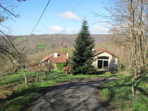 Ladonie : Guest accommodation near Viazac