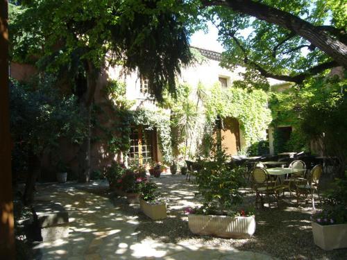 La Passiflore : Hotel near Villetelle