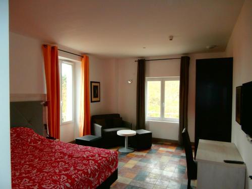 Hôtel le Moderne : Hotel near Bessèges
