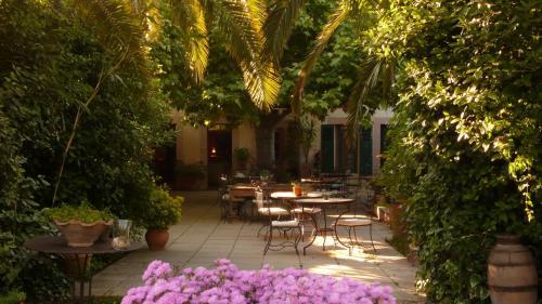 Hotel Beauséjour Les Palmiers : Hotel near Saint-Cyr-sur-Mer