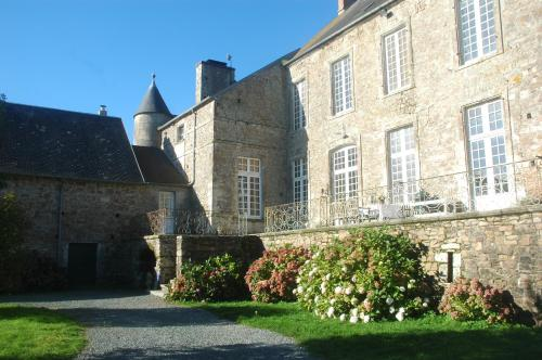 Le Chateau de Claids : Bed and Breakfast near Neufmesnil