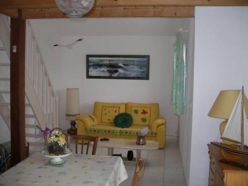 Rental Gite Saint 6 : Guest accommodation near Saint-Michel-Chef-Chef