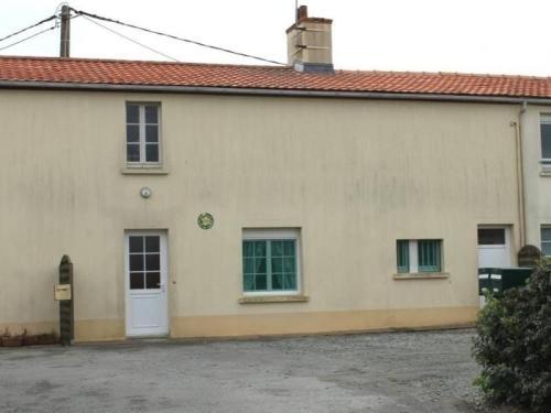 Rental Gite Chauve 1 : Guest accommodation near Saint-Père-en-Retz