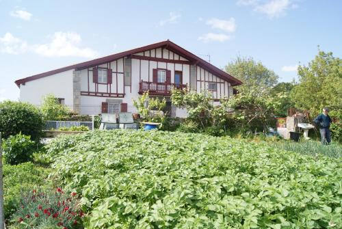 Chambres d'Hôtes Bachoc : Bed and Breakfast near Iholdy