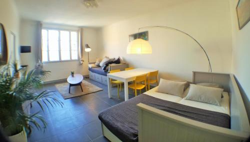 Luckey Homes - La Canebière : Apartment near Marseille 1er Arrondissement