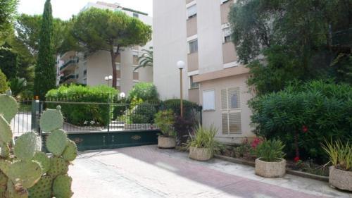 Appartement le Saint James : Apartment near Falicon