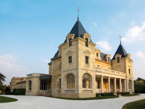 Château de Léognan : Bed and Breakfast near Marcheprime