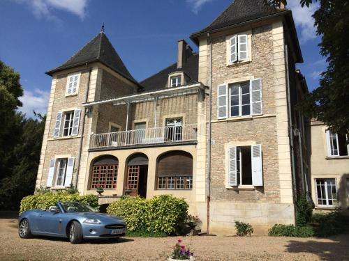 Le Château : Bed and Breakfast near Bissy-sous-Uxelles